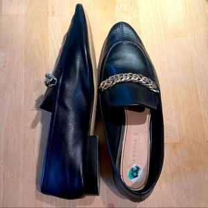 Zara Black Leather Loafer Chain Detail Flats EUC